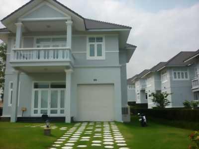 Bán biệt thự mới xây dựng thiết kế hiện đại khu Nam Long