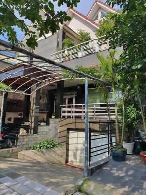 Biệt thự mặt tiền đường Lê Thị Riêng, Quận 12, diện tích 24 x 49m, giá 90 tỷ, đường nhựa 30m.