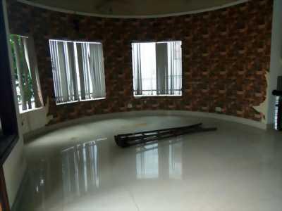 Nhà biệt thự 200 m2 tại Quốc Lộ 13 giá 26 tỷ