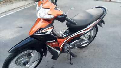 Honda Blade màu cam đen, đk 2015, bstp