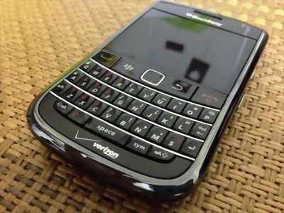 Điện thoại Bold 9650 đang dùng chính