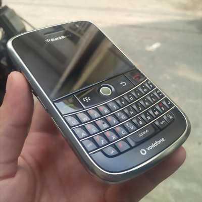 Điện thoại Blackberry 8910.