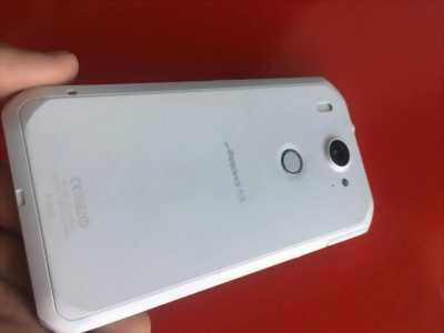Điện thoại Fujitsu Arrow F02G Nhật