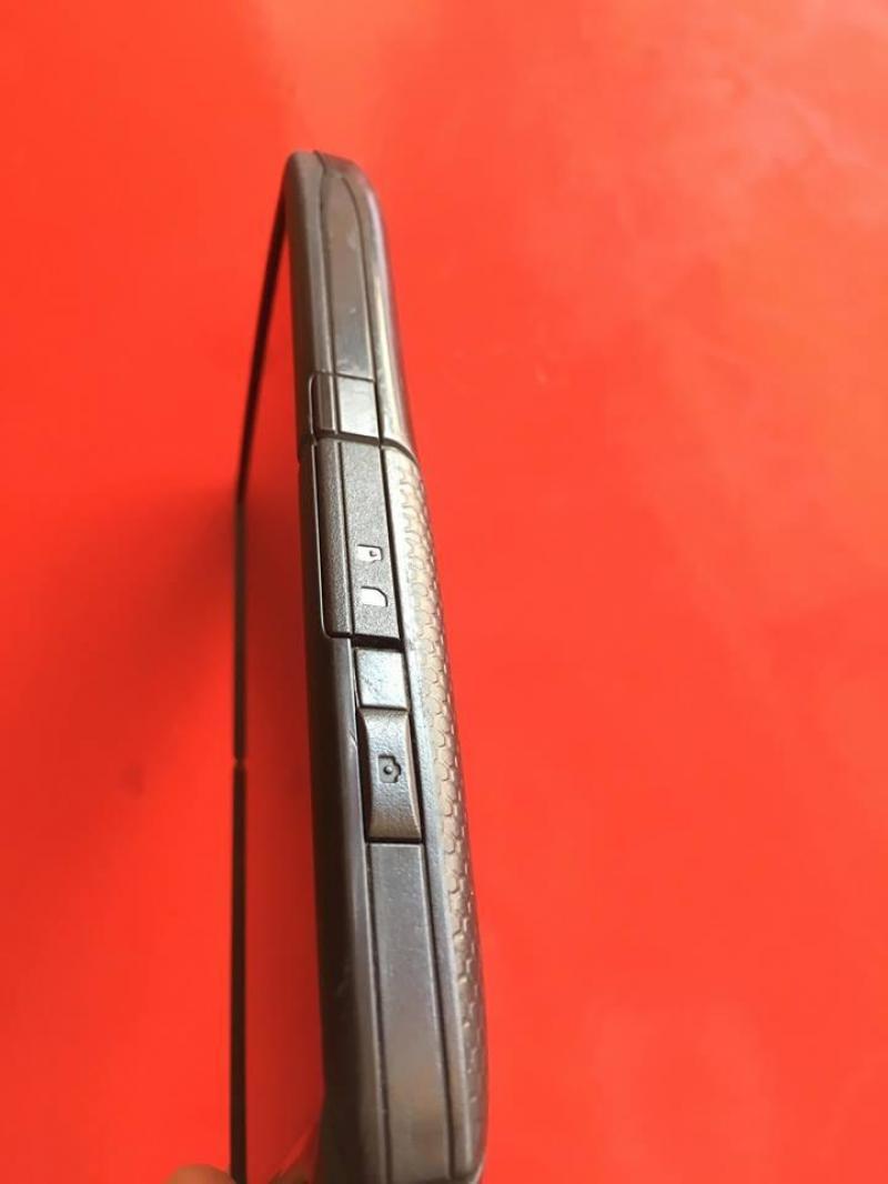 Kyocera Brigader E6782 kính sharpire chống trầy
