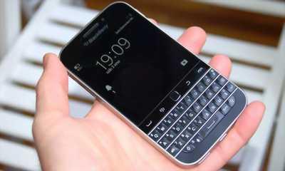 Cần bán chiếc điện thoại sky 1588 máy đẹp màn hình lớn