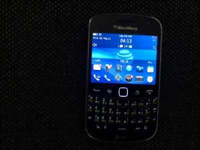 Điện thoại Blackberry 9900