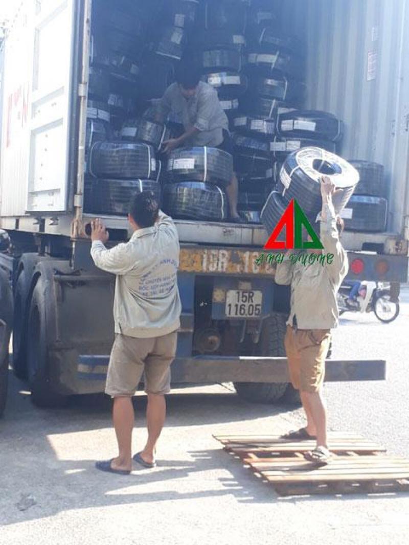 Dịch vụ chuyển nhà bốc xếp xe tải xe  nâng tại Hà Nội.