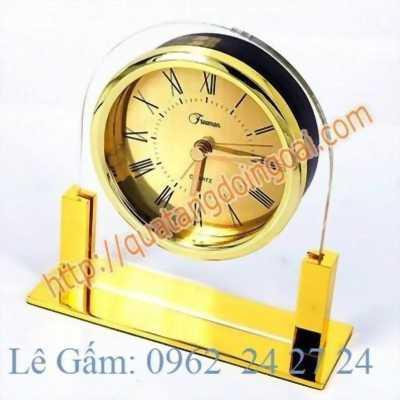 chỗ nhận làm đồng hồ tặng giáo viên, đồng hồ quà kỷ niệm, bán đồng hồ để bàn