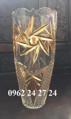 công ty nhận đặt làm lọ hoa pha lê làm quà tặng đại lý bán hàng, bình cắm hoa pha lê tặng 20/10