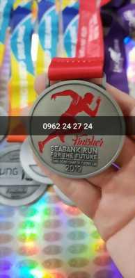 địa chỉ nhận đúc huy chương giải thi đấu thể thao của trường, đúc huy chương 2 mặt giải chạy ngắn của công ty