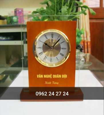 cơ sở nhận làm đồng hồ quà lưu niệm, địa chỉ bán đồng hồ gỗ kỷ niệm, nhận in ấn nội dung lên đồng hồ theo yêu cầu
