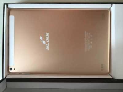 Máy tính bảng Bliss X9 4G từ Nga