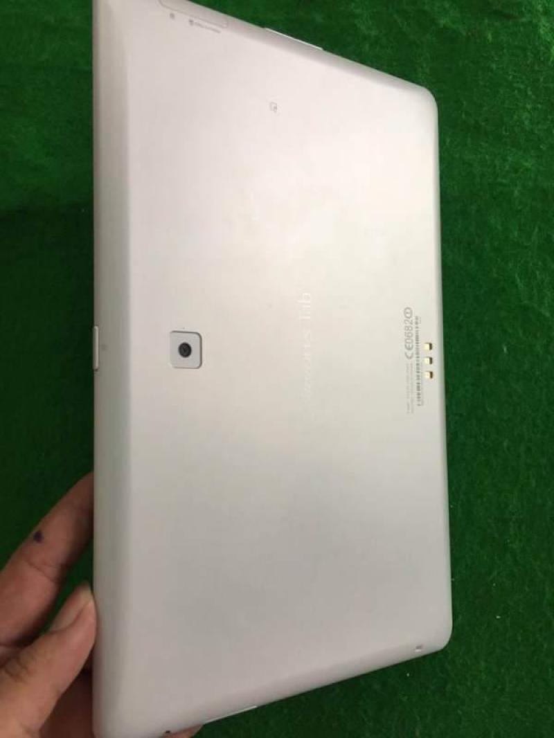 Máy tính bảng Nhật Fujitsu F02F màn 2K, rom 64G