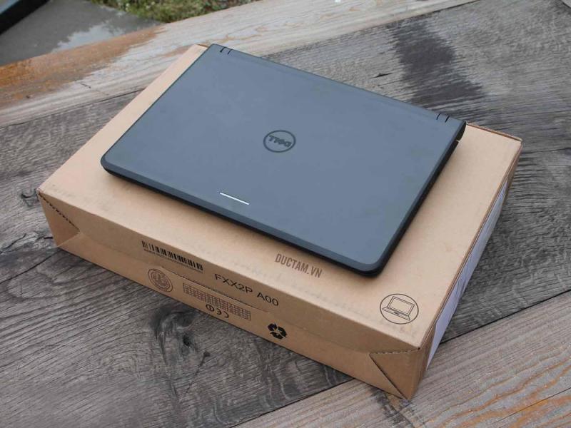 Laptop Toshiba chíp Core i3 ổ cứng 250g pin lâu