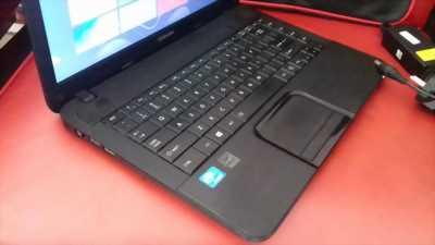 Laptop Toshiba ram 2G Hdd 750G khủng màn hình 14'