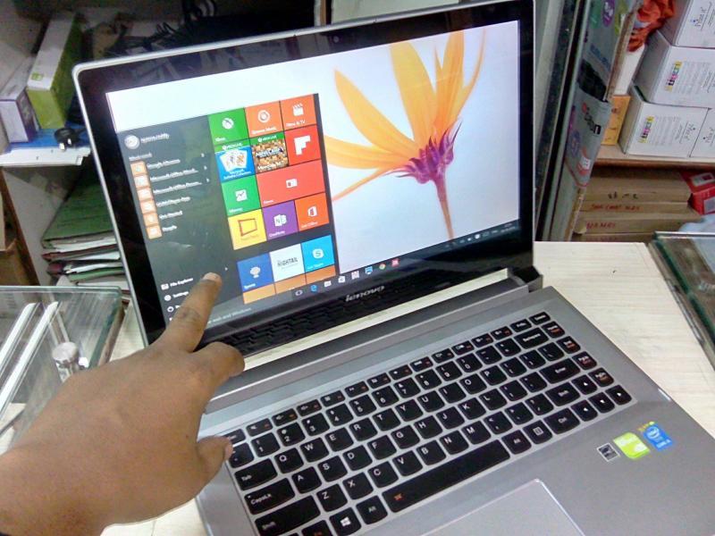 Laptop chơi Game màn Full HD giá rẻ