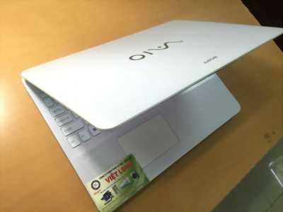 Sony vỏ trắng đẹp, card rời