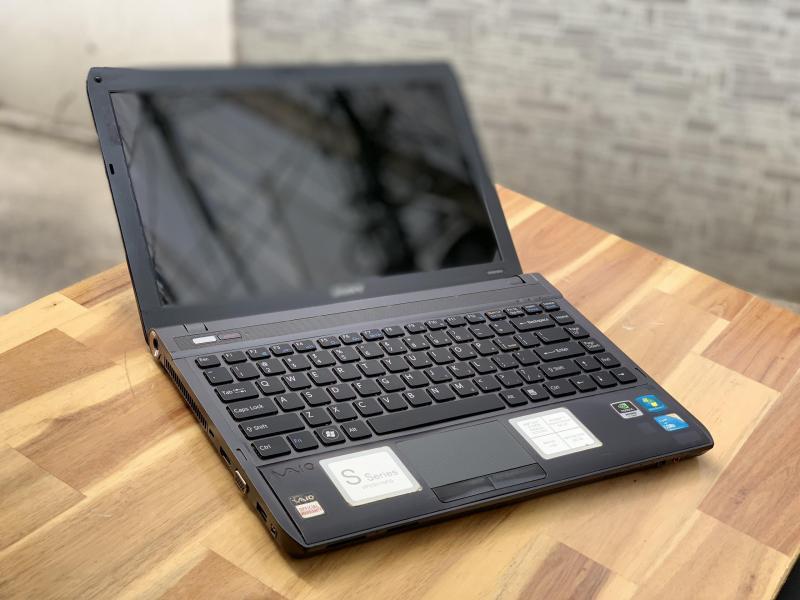 Laptop Sony Vaio VPCS11, i3 M330 4G 320G Vga rời Đẹp zin 100% Giá re