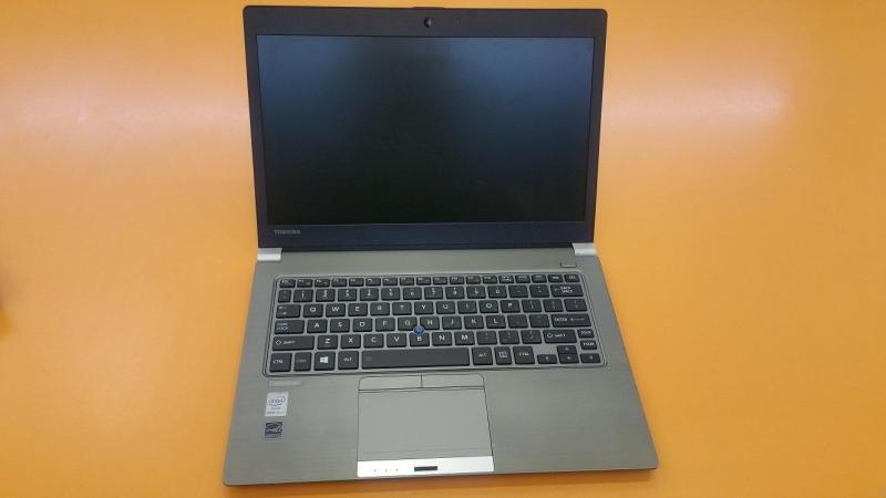 Laptop toshiba SSD rất đẹp