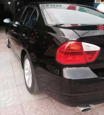 Cần bán xe BMW 320i 2008 số tự động màu đen chính chủ