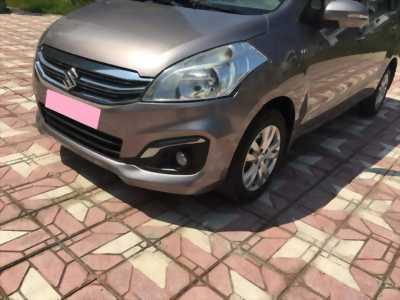 Cần bán xe Suzuki Ertiga 2016 số tự động màu xám titan