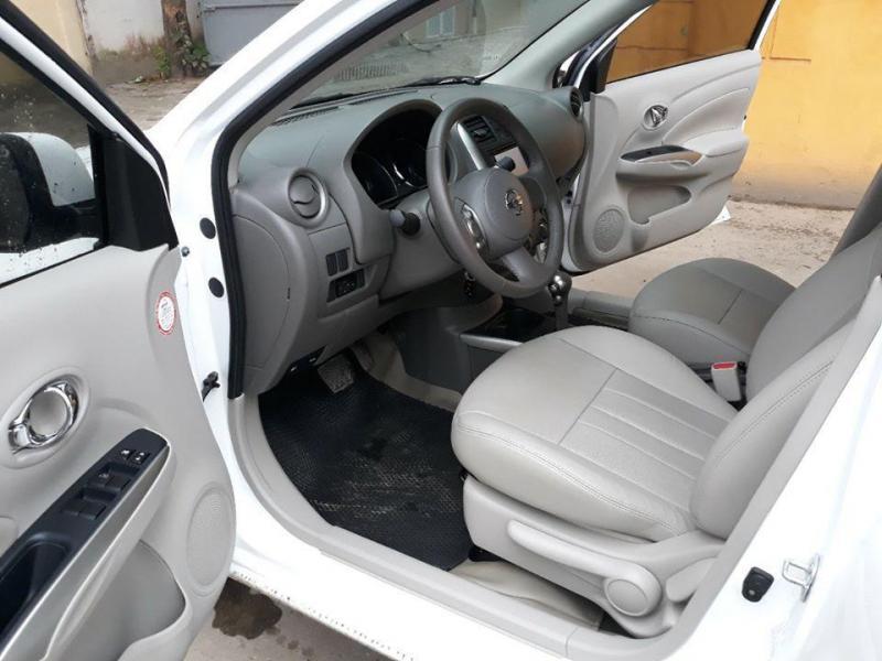 Cần bán xe Sunny 2016, số tự động, màu trắng, gia đình sử dụng.