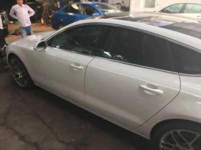 Cần bán xe Audi A7 2011 màu trắng nhập Đức