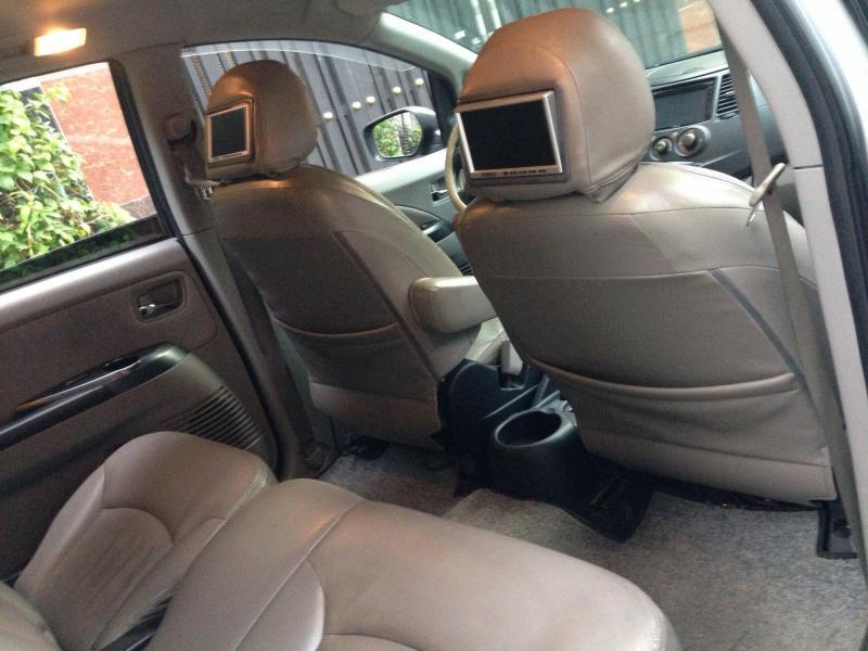 Gia đình cần bán xe Grandish 2005, số tự động, màu bạc