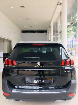 Peugeot 5008 màu đen - Peugeot Cộng Hòa