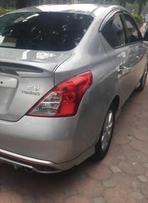 Cần bán xe Nissan Sunny 1.5AT 2017 màu bạc