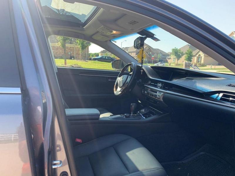 Gia đình cần xe Lexus es 350, sản xuất 2014