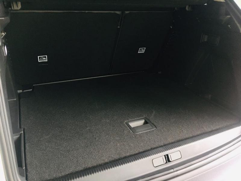 Peugeot 3008 ALLNEW TRẮNG - 2019. GIÁ TỐT NHẤT NĂM. ƯU ĐÃI 68 TRIỆU