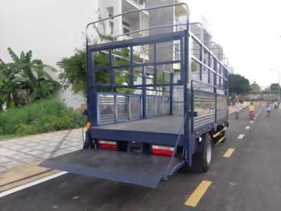 Xe tải Jac 2t4 gắn bửng nâng. Xe tải Jac 1T99 gắn bửng nâng hàng 1 tấn giá tốt nhất