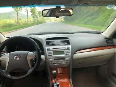 Bán nhanh xe Camry Bạc 2011 tự động bản 2.4G xe đẹp nguyên con