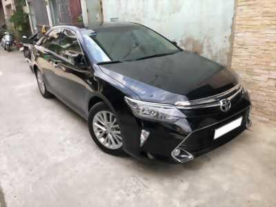 bán xe Toyota Camry 2018 màu đen long lanh, xe nhà sử dụng