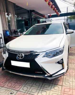 bán xe Camry 2.0E tự động mua tháng 4/2018 màu trắng cao cấp