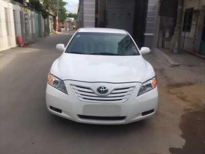 Cần bán xe Toyota Camry LE 2007 màu trắng nhập Mỹ