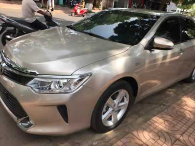 Xe Toyota Camry 2.5Q.
