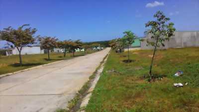 Cần bán gấp 300m2 đất thổ cư, giá chỉ 415 tr. Gần KCN, chợ, trường học.