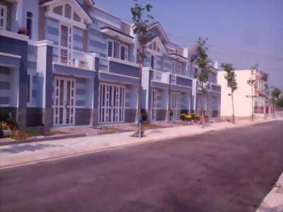 Bán nhà tại Bình Chánh, mt QL50, dt 105m2, SHR