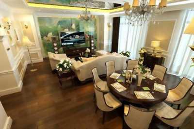 Cần bán căn hộ 3 phòng ngủ tại Royal City