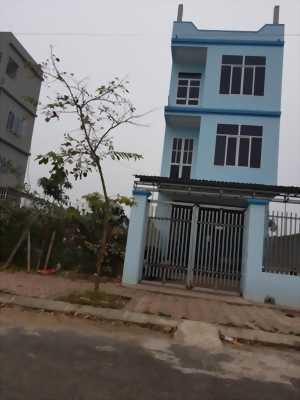 Cần bán nhà 3 tầng mới xây 2015 ở Vĩnh Yên- VP
