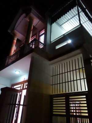 Bán nhà mới, đẹp 1 trệt 1 lầu gần ngay ngã tư Bình Chuẩn