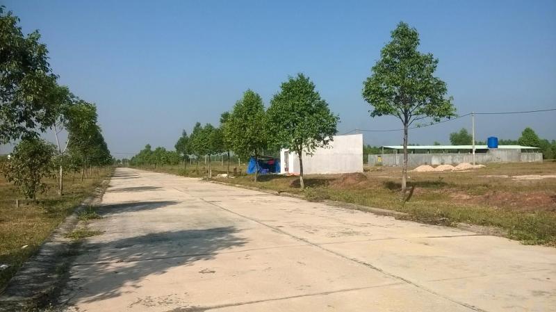 Cần vốn kinh doanh bán gấp 600M2 đất đối diện chợ, gần TP HỒ CHÍ MINH