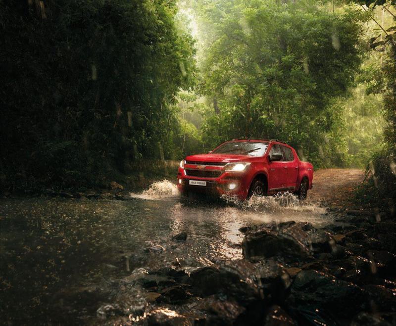 Chevrolet Colorado 2.5 MT 2017 khuyến mại cực lớn, hỗ trợ trả góp 90% giá trị xe.