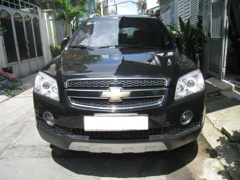 cần bán nhanh xe Chevrolet Captiva LT 2008 số sàn màu đen