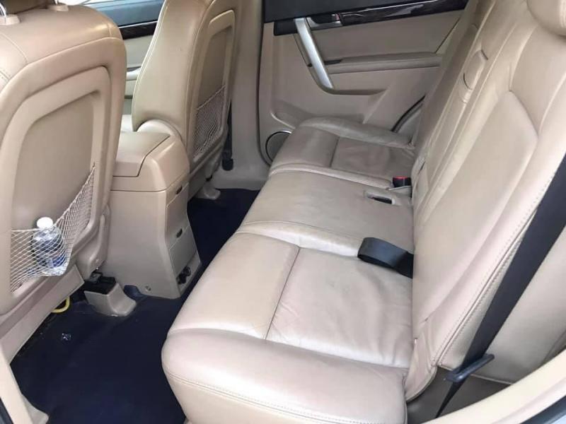 Bán xe Captiva 2009 số sàn, màu bạc, còn mới tinh