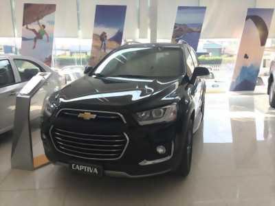 Xe Chevrolet Captiva 2017 mới xe gia đình 7 chỗ