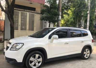 Bán xe Chevrolet Orlando Ltz 2017, số tự động, màu trắng tinh.
