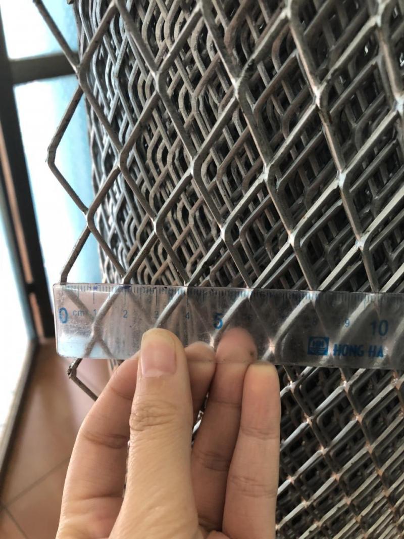 Lưới thép hình thoi hay lưới dập giãn D2 mắt 20*40 giá tốt
